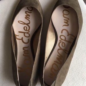 Sam Edelman Shoes - Like new Sam Edelman olive suede flats sz 10